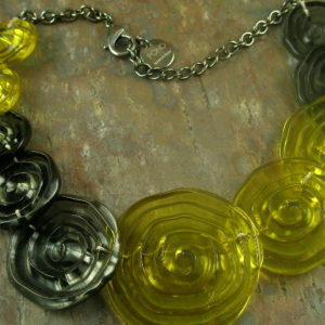 Italian Resin Statement NecklaceCitron -0