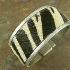 Zebra Love Magnetic Fur Bracelet-0
