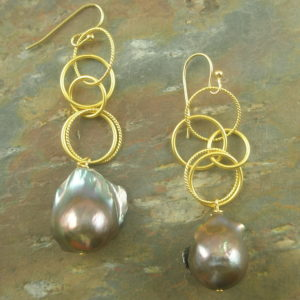 Chain Of Pearl Drop Earring -0