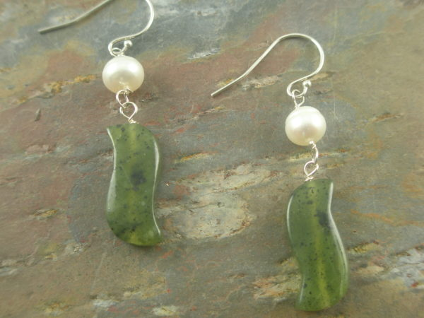 Gentle Wave Stone And Pearl Earrings-0