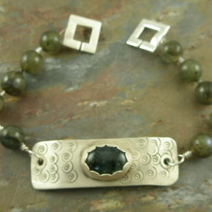 Labradorite And Sterling Silver Handcrafted BraceletSolo-0