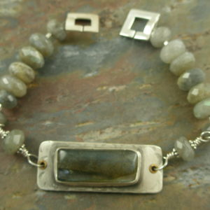 Handcrafted Sterling Silver And Labradorite BraceletGlow-0