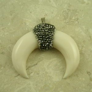 Unique Natural Horn And Crystal PendantMoo-0