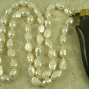 Long Pearl Necklace With Horn PendantSnap Off-0