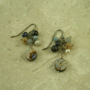 Small Cluster Handcrafted EarringJust Cute-0